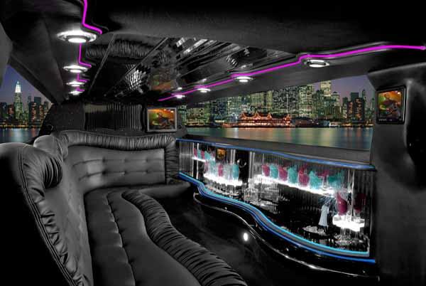 Chrysler 300 Palmetto limo interior