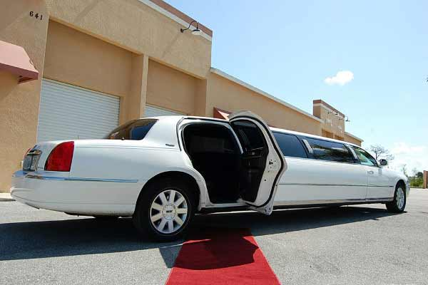 lincoln stretch limousine New Port Richey